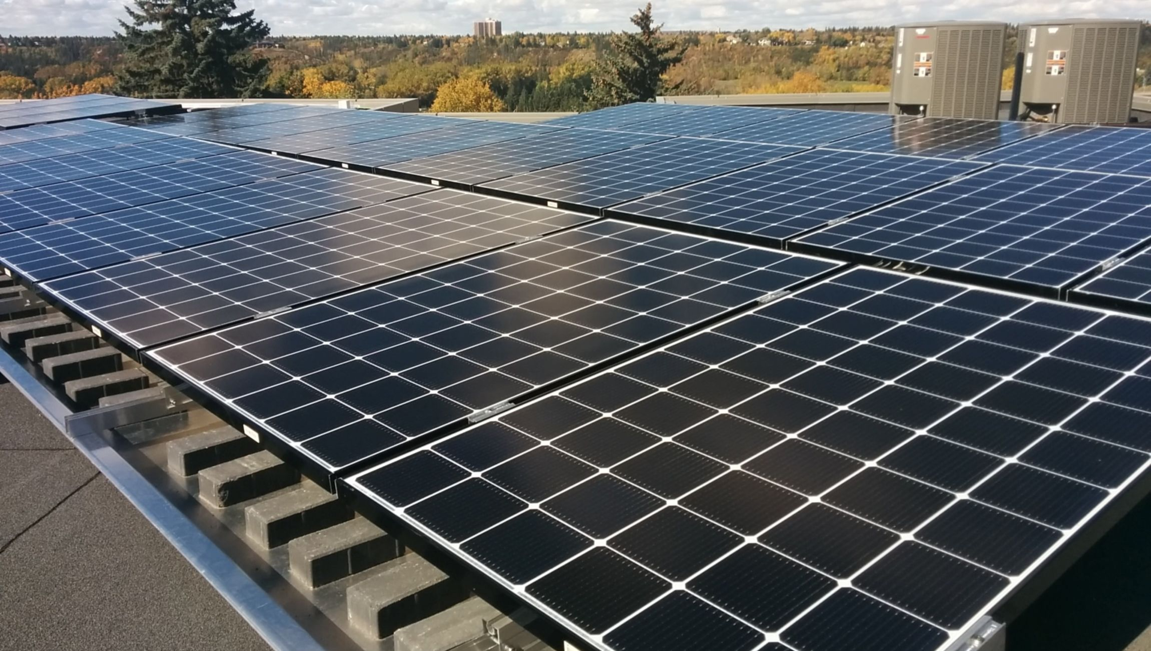 Ballasted flat roof solar system